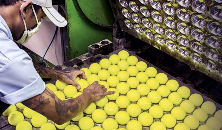 fabrication-balle-de-tennis