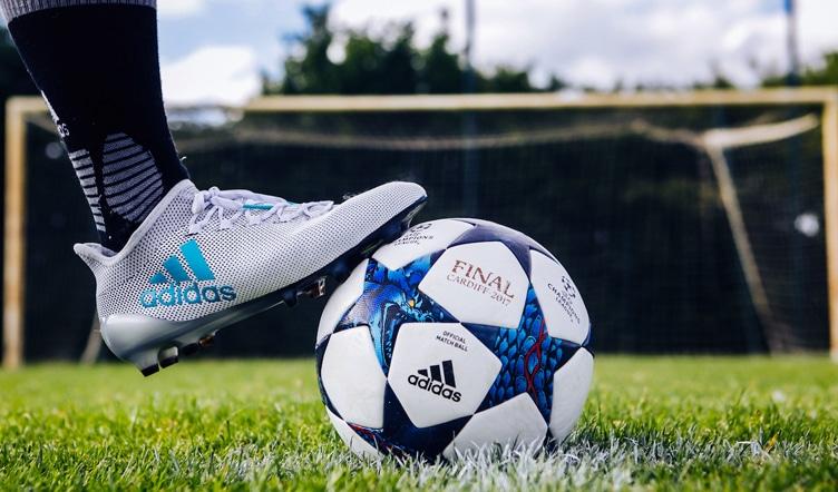 fabrication-ballon-de-football-soccer