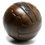 ballon-de-football-retro-cuir-lacet