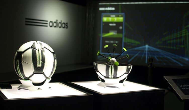 Adidas-miCoach Smart Ball - ballon de football connecté